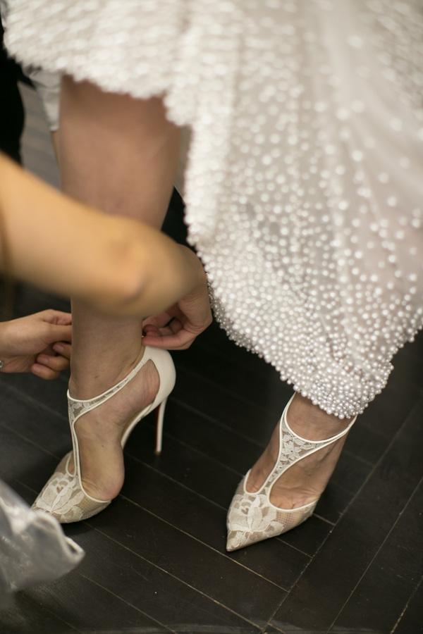4 mẹo sửa lỗi phát sinh bất ngờ cho chiếc váy cưới ngay sát ngày trọng đại