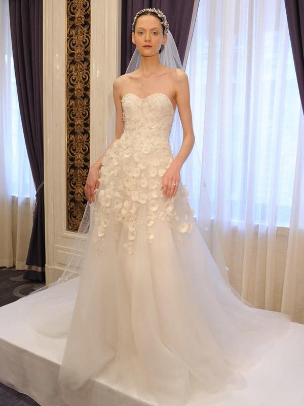 Các mẫu váy cưới đẹp mùa xuân