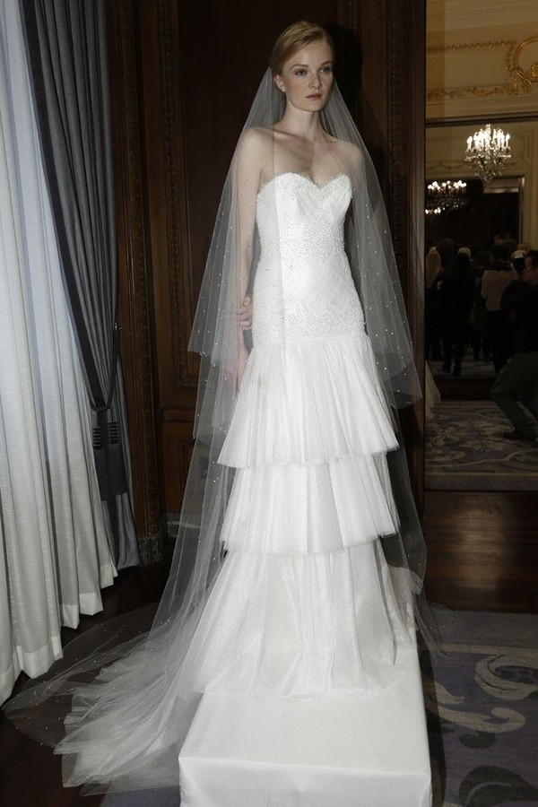 11 mẫu váy cưới mùa thu đẹp không tỳ vết cho các cô dâu