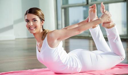 0827032351f453ad544ab6e5202aa3ad71ee5222 5 động tác yoga giúp giảm mỡ bụng nhanh chóng nhất