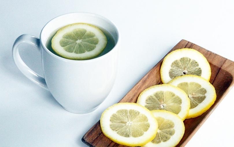 4 lý do nên uống nước chanh nóng vào buổi sáng