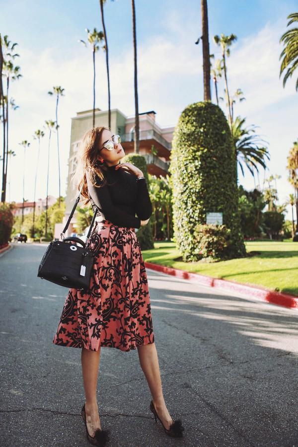 Street style hợp guu thời trang thu đông bằng những khoảng hở tinh tế