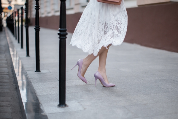 pastel-pink-pumps-heels-pointed-toes-outfit-blogger