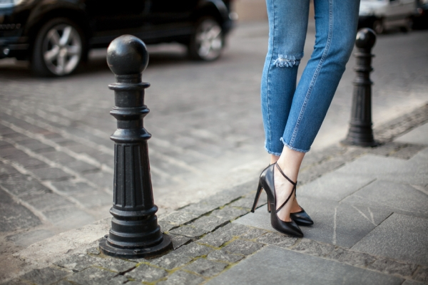 cross-strep-heels-outfit-denim-fashion-blog