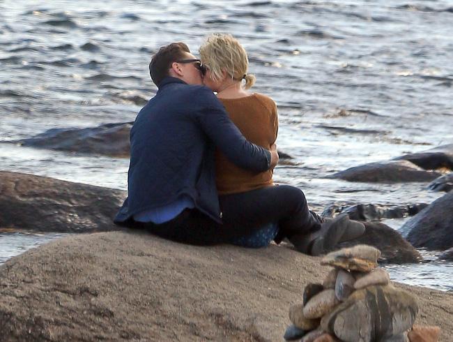 Đọc để hiểu vì sao Tom Hiddleston xứng đáng là bạn trai mới của Taylor Swift! - Ảnh 1.