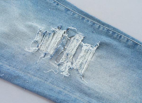 7 bước đơn giản để phá cách chiếc quần jean của bạn thành quần rách cá tính