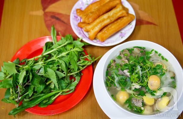 Sài Gòn về đêm tấp nập những quán ăn ngon