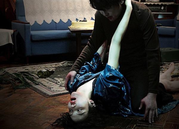 top-10-phim-kinh-di-nong-bong-nhat-moi-thoi-dai-blogtamsuvn01