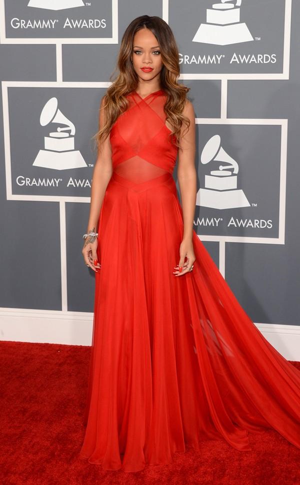 30 chiếc váy thảm đỏ đẹp nhất năm 2013 14