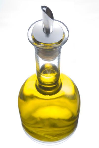 5 cách dùng dầu oliu dưỡng tóc hiệu quả