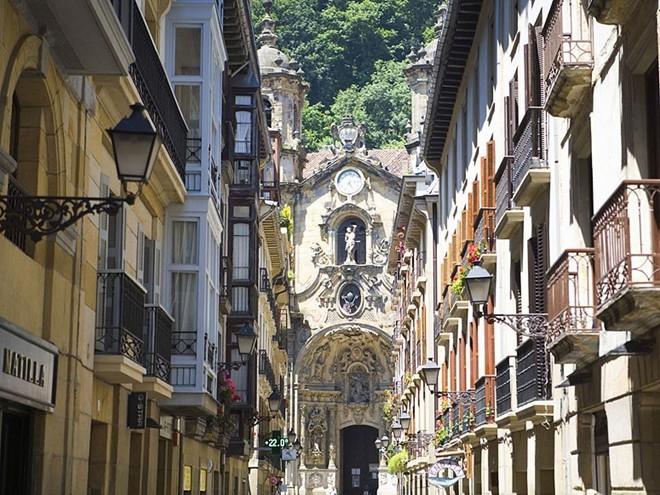 Vẻ đẹp mê hồn của 10 thành phố du lịch hàng đầu châu Âu 4