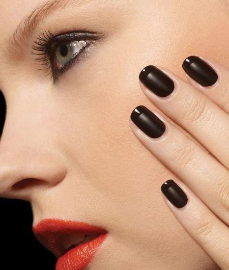 Màu sơn móng tay tiết lộ cá tính của bạn
