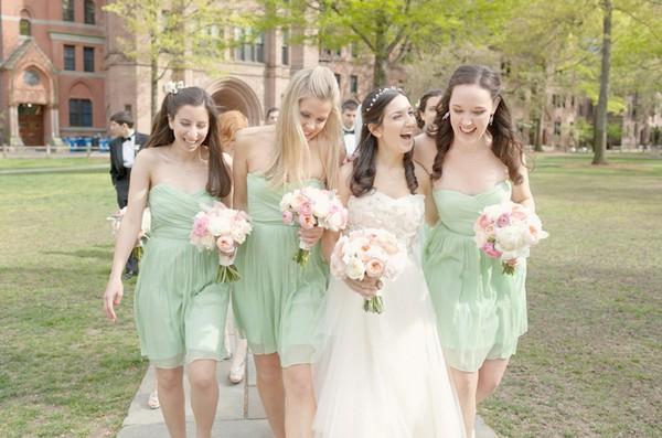 Bí quyết chọn váy phù dâu khiến cô dâu càng thêm nổi bật