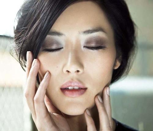 Những cách đánh mắt hợp với phái đẹp châu Á