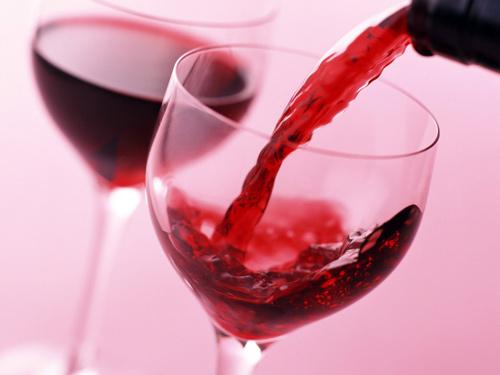 Trẻ lâu nhờ...rượu vang