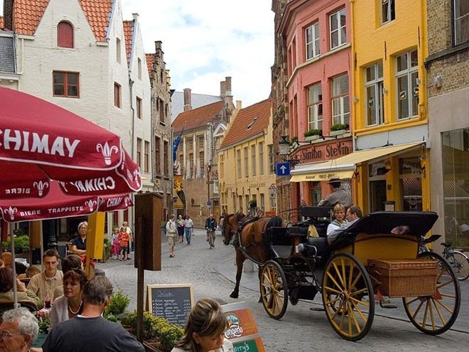 Vẻ đẹp mê hồn của 10 thành phố du lịch hàng đầu châu Âu 8