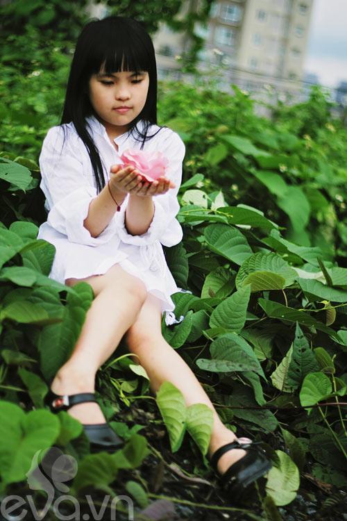 Cô bé lớp 7 có hình trên tạp chí Vogue Ý - 17
