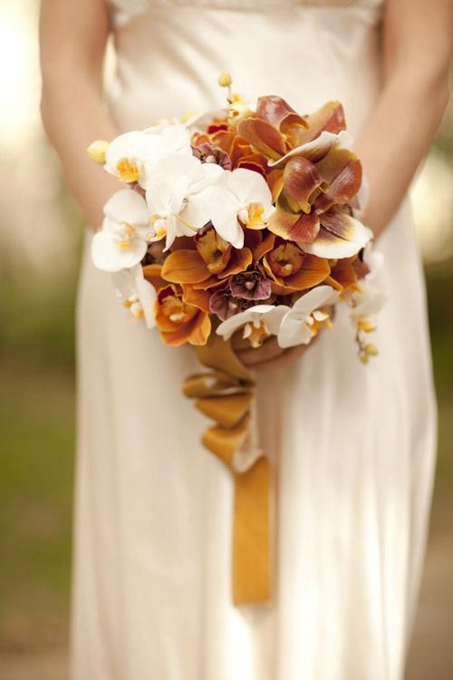 Chọn hoa tone ấm áp cho đám cưới mùa lạnh 1