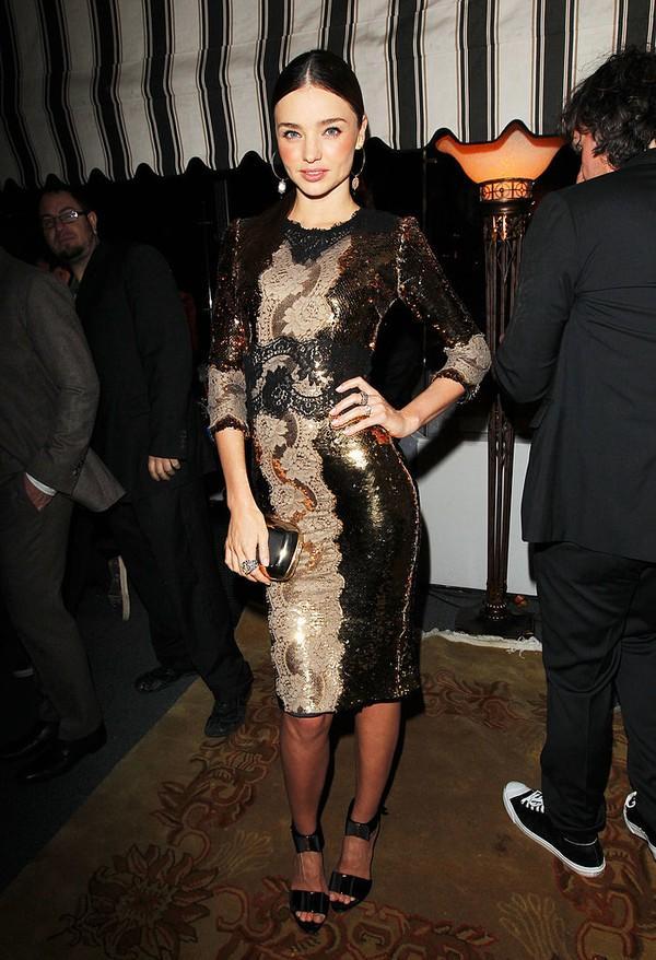 Điểm lại 15 chiếc đầm tiệc lộng lẫy nhất của Miranda Kerr