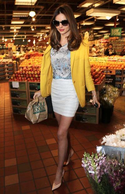 9 món đồ tạo nên style Miranda Kerr