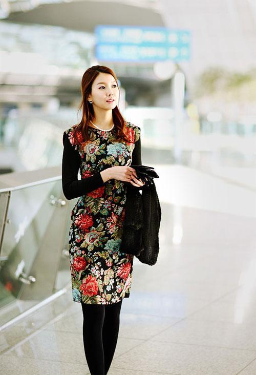 Mẫu váy họa tiết hút mọi ánh nhìn