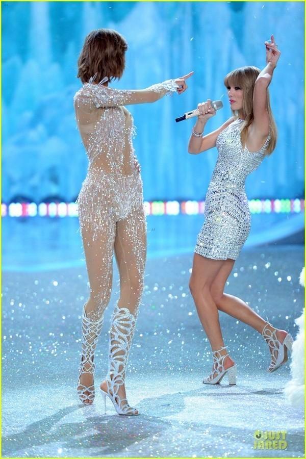Những hình ảnh nóng bỏng nhất của Victoria's Secret 2013 12