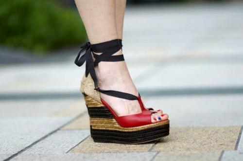 Sandal cho mùa đi biển - 6