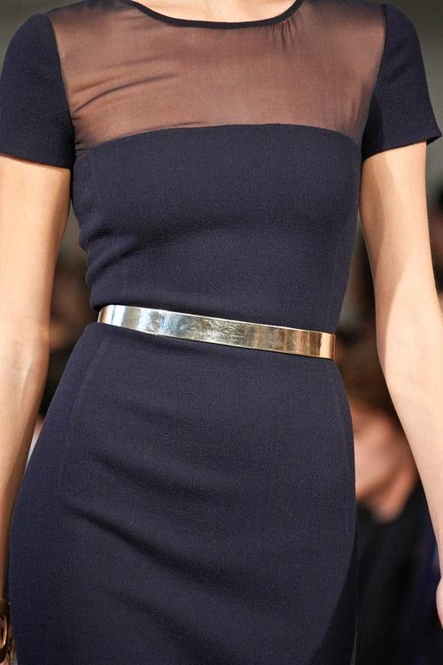 7 cách đơn giản khiến chiếc váy đen thêm bắt mắt 20