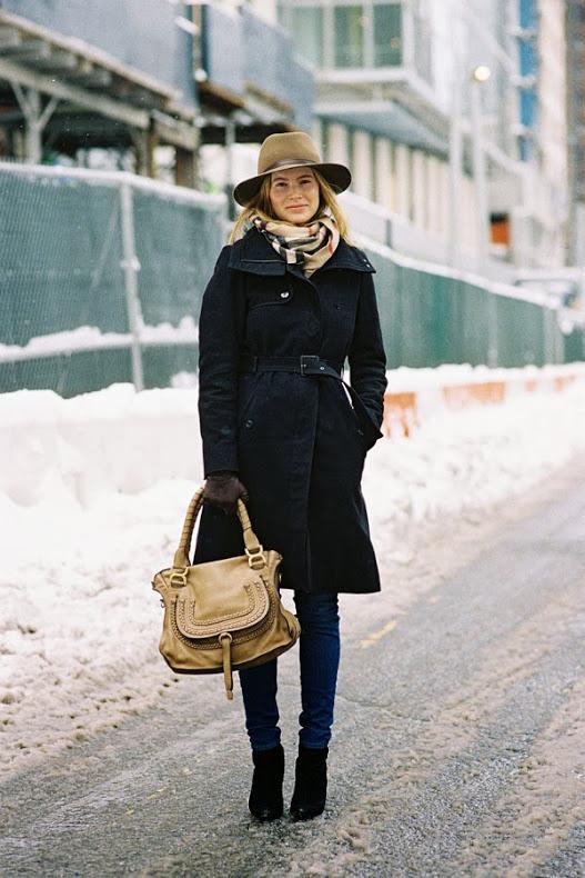 Street style ấm áp và cá tính của châu Âu ngày đầu đông 13