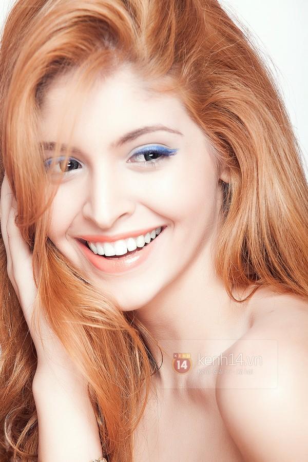 Make up với eyeliner xanh dương mát mẻ cho kì nghỉ trên biển