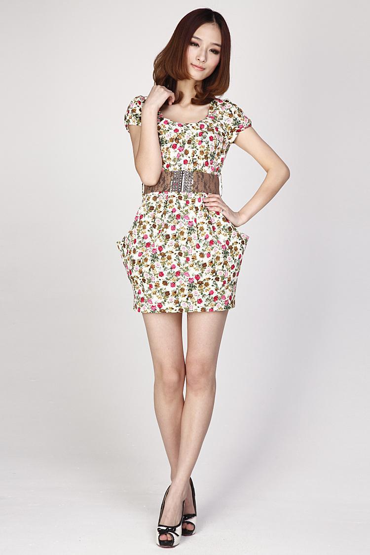 Váy hoa xinh tươi đón hè sang