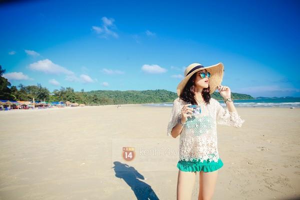 Biển xanh cát trắng & những bộ bikini đẹp lung linh 12