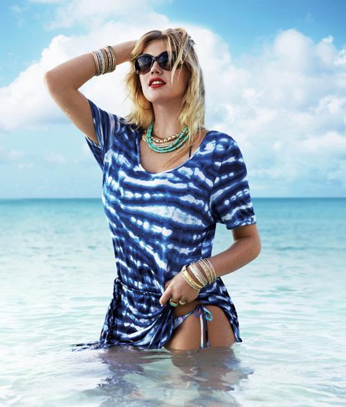 Kate Upton khoe đường cong hoàn hảo trên biển