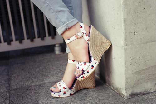 Chọn giày mùa hè cho những đôi chân... to