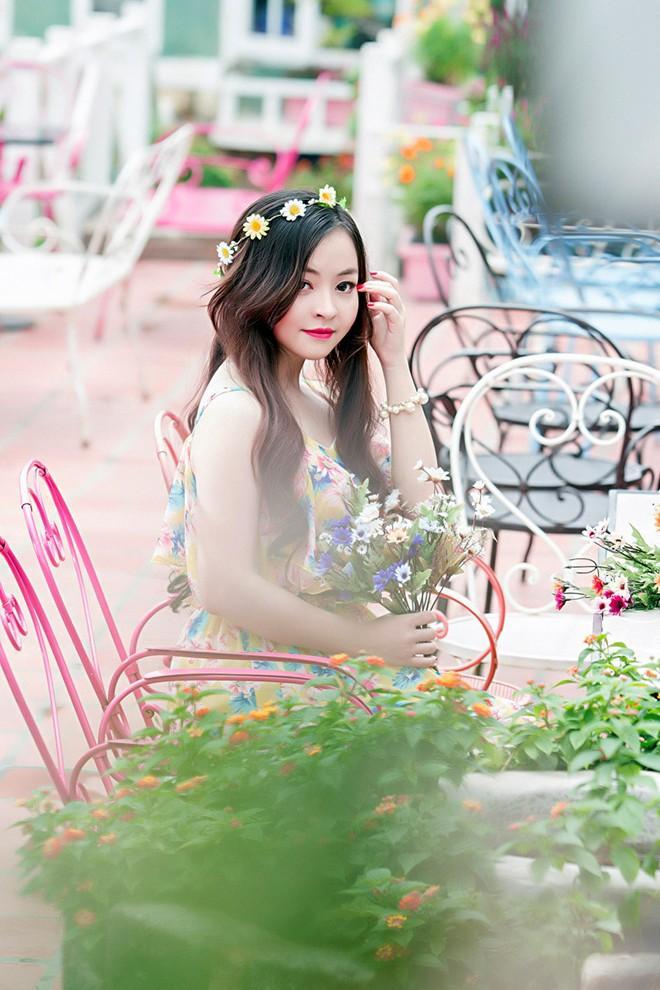 Váy maxi sắc màu lãng mạn cho bạn gái mùa thu