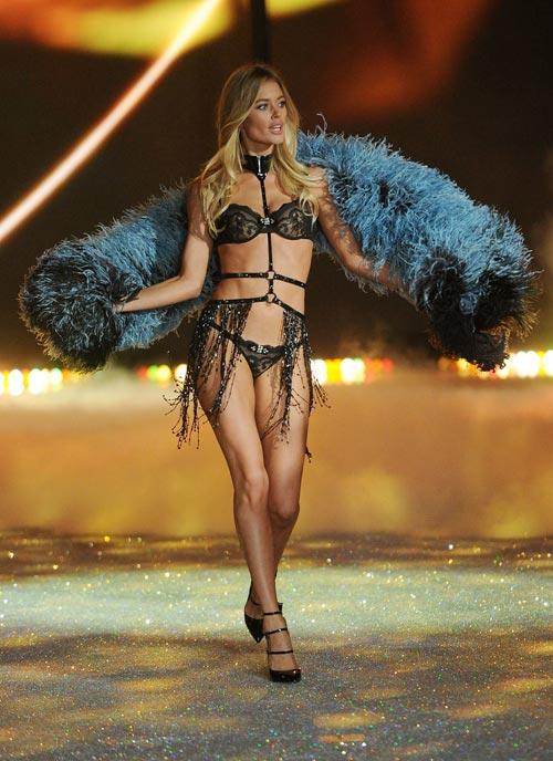 Áo ngực triệu đô tỏa sáng Victoria's Secret Show - 16