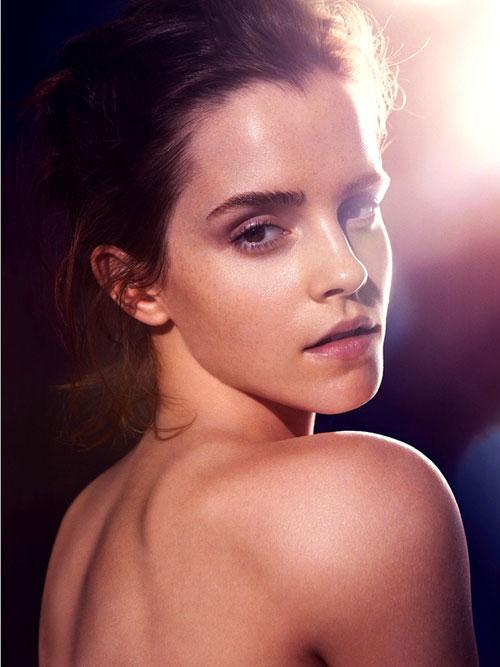 """""""Cô phù thủy"""" Emma Watson bán nude đẹp hơn hoa"""