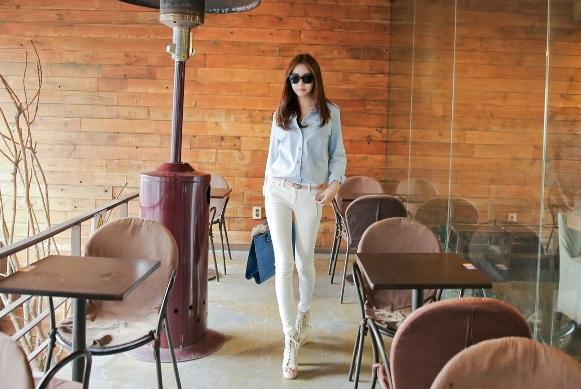 Bộ đôi áo sơ mi và quần jeans skinny: Mặc cả tuần không chán