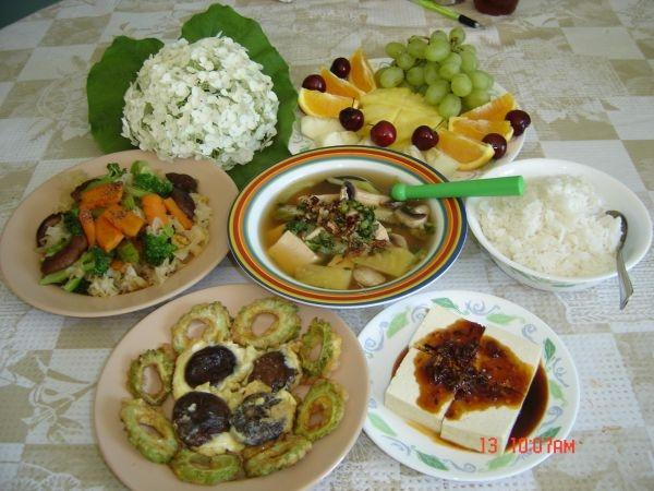 9 món đặc sản ngon, đậm chất cố đô Huế