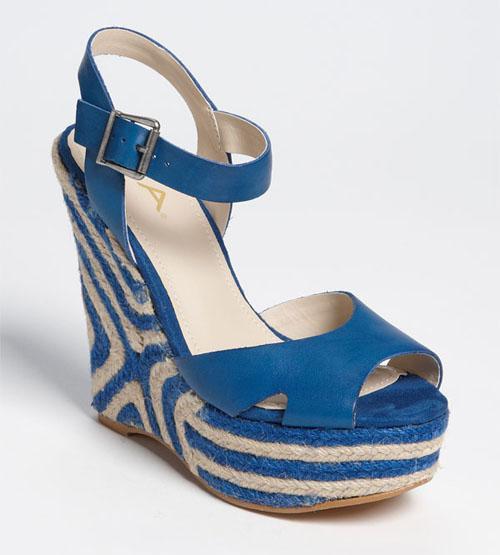 Sandal cho mùa đi biển - 3
