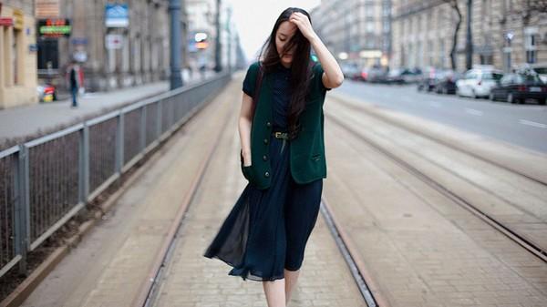 3 gợi ý thú vị để bạn vô tư diện váy hè trong mùa Thu/Đông 7