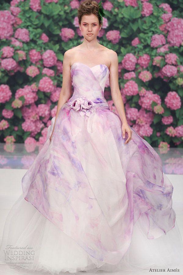 Những mẫu váy cưới tuyệt đẹp không mang tone trắng truyền thống 10