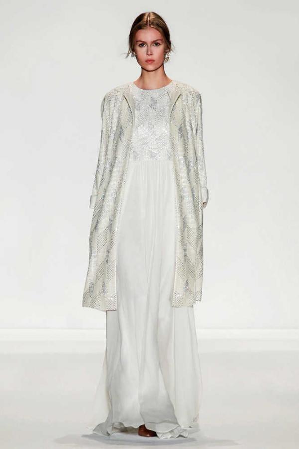 Ấm áp mà vẫn đẹp lộng lẫy với áo khoác cưới mùa đông 2013 18