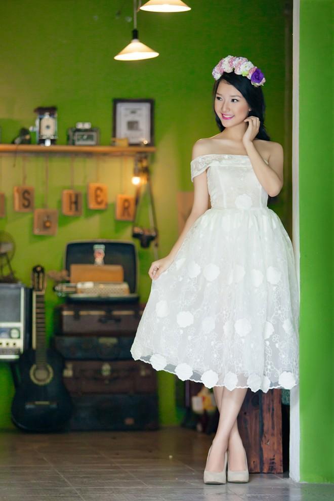 Váy ren ngọt ngào ngày thu