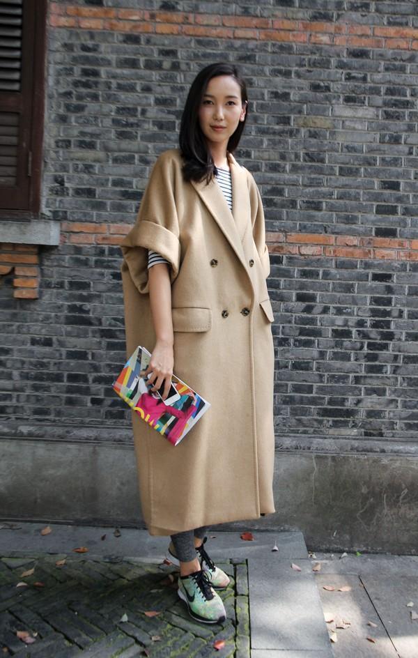 Gợi ý cho quý cô công sở kết hợp áo khoác dạ bớt nhàm chán 6