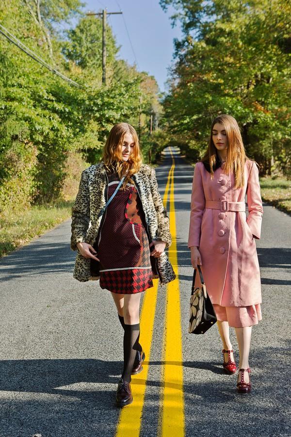 6 chiếc áo khoác giúp phong cách của bạn mới lạ và hợp mốt 9