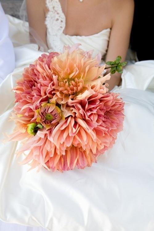 Chọn hoa tone ấm áp cho đám cưới mùa lạnh 6