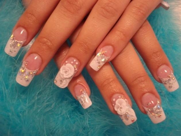 Các mẫu nail tuyệt đẹp cho cô dâu trong ngày cưới