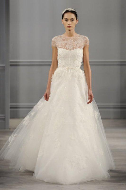 Bồng bềnh và lãng mạn với váy cưới xuân 2014