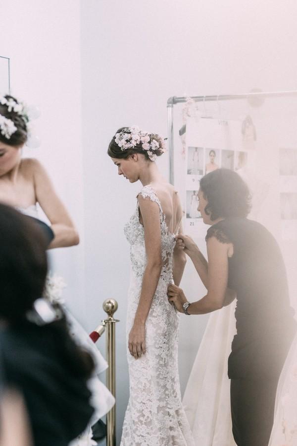 Phụ diện đẹp & lạ cho mái tóc giúp cô dâu thêm lộng lẫy 5